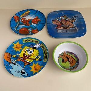 Bundle of 4 kids plates